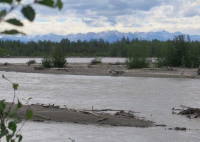 Tanana River mit Alaska Range
