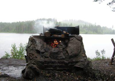 Feuer im Dauerregen